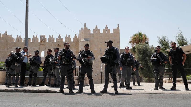 Soldados israelíes bloquean los accesos a Explanada de las Mezquitas