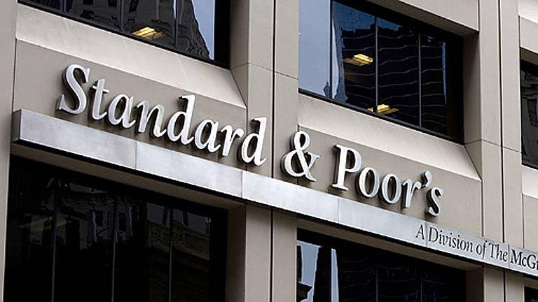 S&P rebaja la nota a once bancos españoles, incluidos Santander y BBVA
