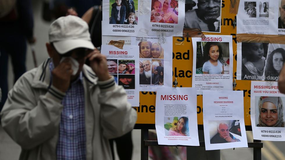 Sube el número de muertos en el indendio de Londres, así como las críticas a Theresa May