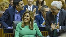 Ir al VideoSusana Díaz es investida presidenta de Andalucía con los votos a favor de PSOE y Ciudadanos