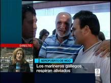 Ir al VideoTD1 Los marineros gallegos del 'Playa de Bakio' llegan a su tierra