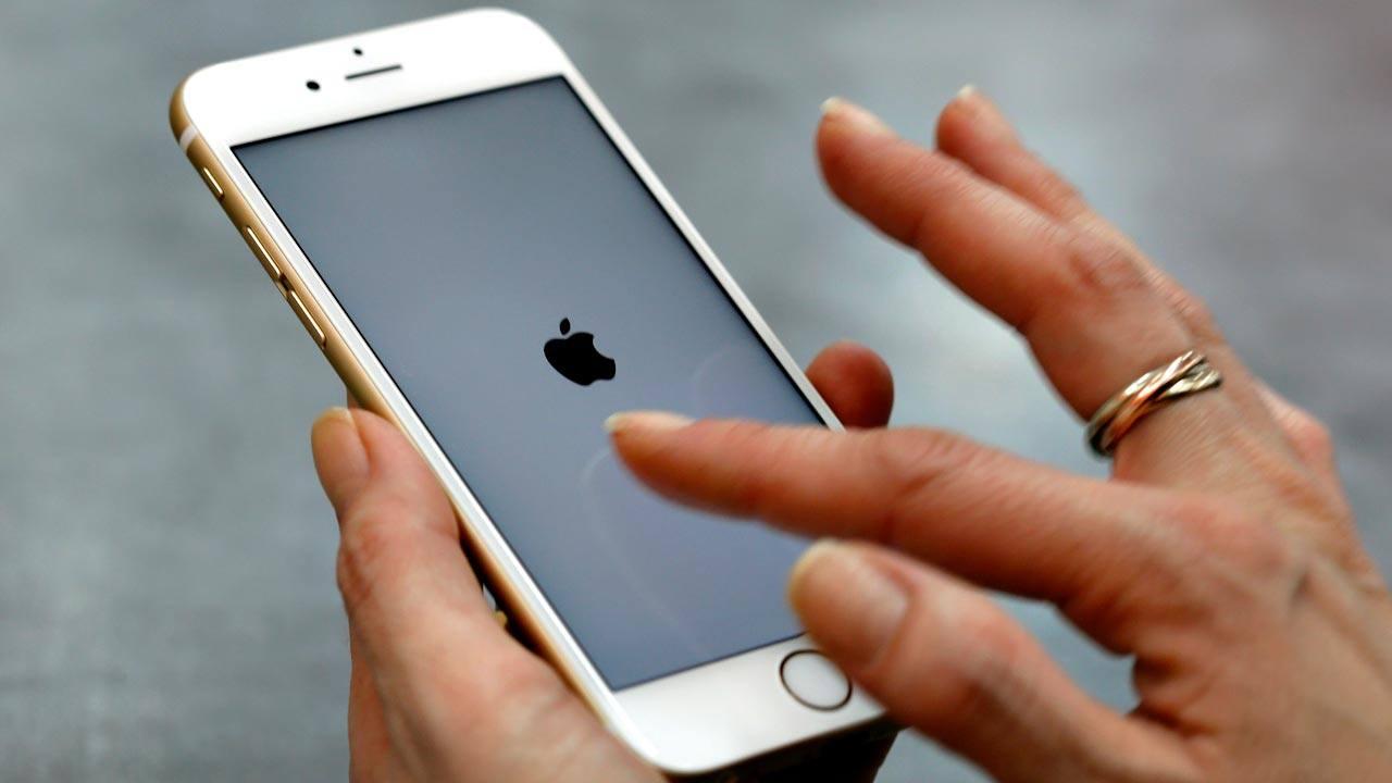 Un teléfono móvil iPhone de Apple