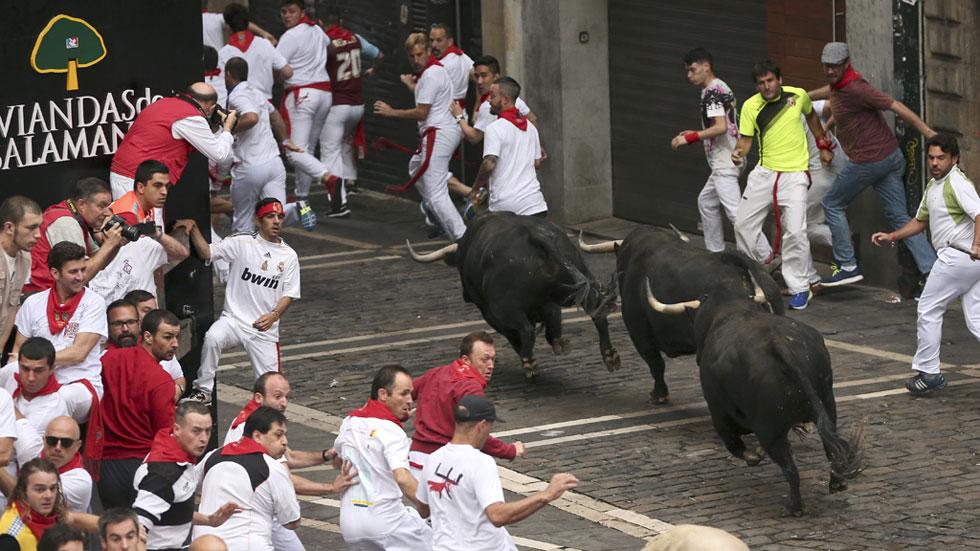 Los temidos toros de Jandilla protagonizan el encierro más veloz de esta edición