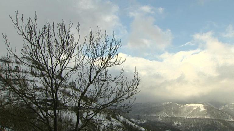 Viento fuerte en el norte y este peninsular y temperaturas en ascenso