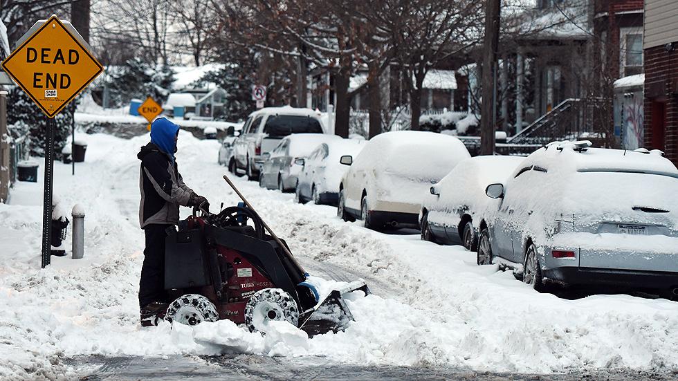 El temporal de nieve amaina en Nueva York y ya se puede circular