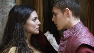 Águila Roja - Tensión sexual entre Nuño e Irene
