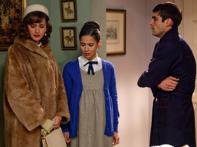 Amar - Teresa, en su peor momento, se abraza a Ana