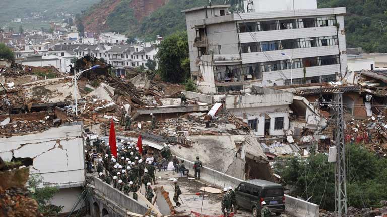Un terremoto de magnitud 6,3 sacude China dejando casi 400 muertos