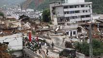 Ir al VideoUn terremoto de magnitud 6,3 sacude China dejando casi 400 muertos