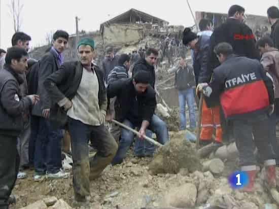 Al menos 51 personas han muerto por el terremoto de 6 grados ocurrido de madrugada en el este de Turquía