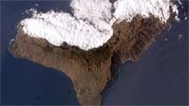 Ir al VideoLa tierra sigue temblando en El Hierro tres años después de la última erupción