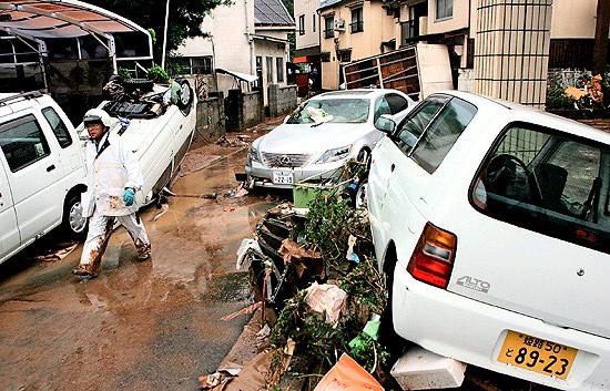 Tifones y lluvias continúan destrozando Asia a su paso