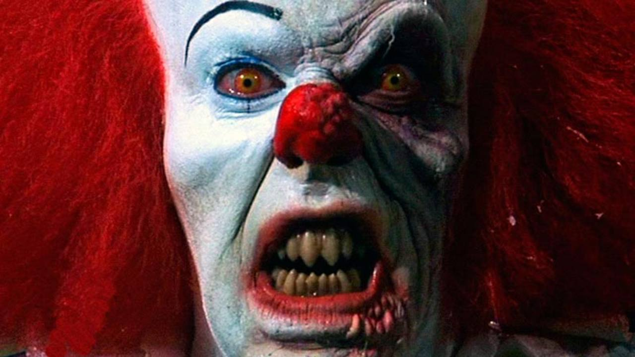 Tim Curry provocó pesadillas como el payaso de 'It'