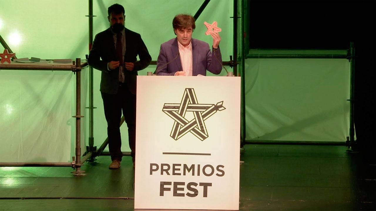 Tomás Fernando Flores, director de Radio 3, recoge el III Premio Fest que reconoce a la emisora como 'mejor medio de comunicación'