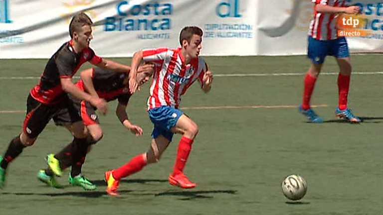 Fútbol - Torneo Interclubes Costa Blanca, 1/4 final. Atlético de Madrid - Rayo Vallecano. Desde Torrevieja (Alicante)
