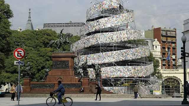 On Off: Torre de Babel en Buenos Aires
