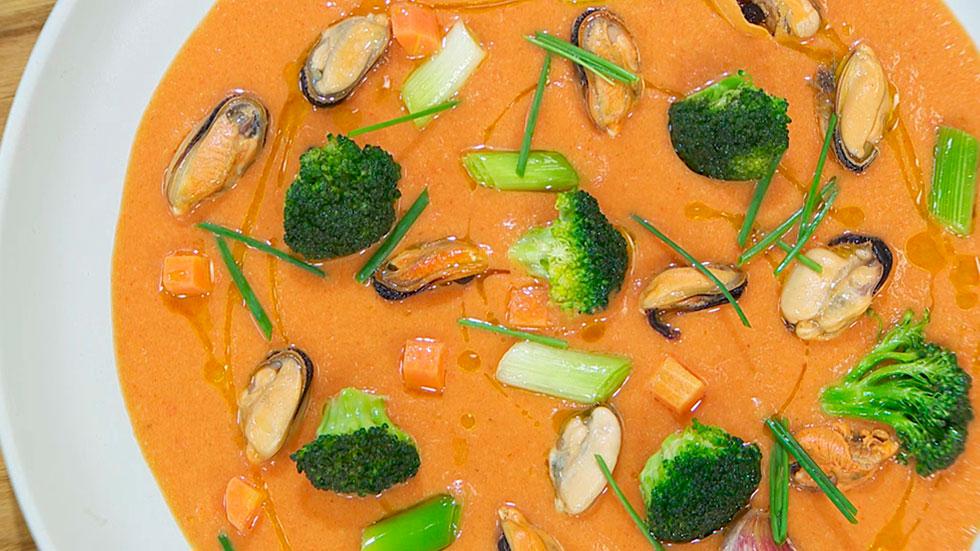 Receta de gazpacho asado con mejillones en escabeche for Cocina hermanos torres