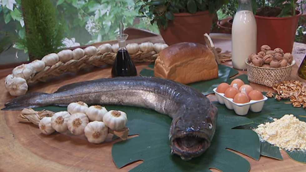 Torres en la cocina merluza torres en la cocina rtve for Cocinar merluza a la vasca