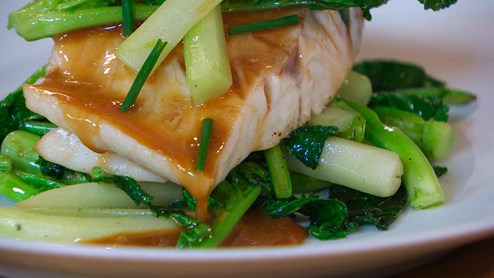 Receta de lubina al horno - Como cocinar pescado al horno ...