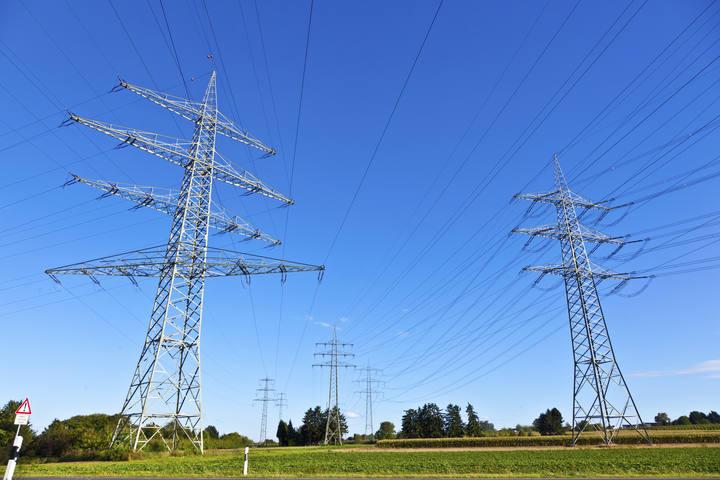 Torres de conducción eléctrica