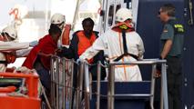 Ir al VideoUn total de 11.000 inmigrantes han llegado de forma irregular a España en 2017