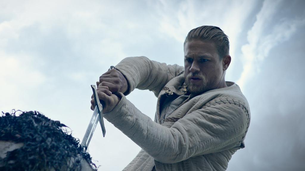 Tráiler de 'Rey Arturo. La leyenda de Excalibur'
