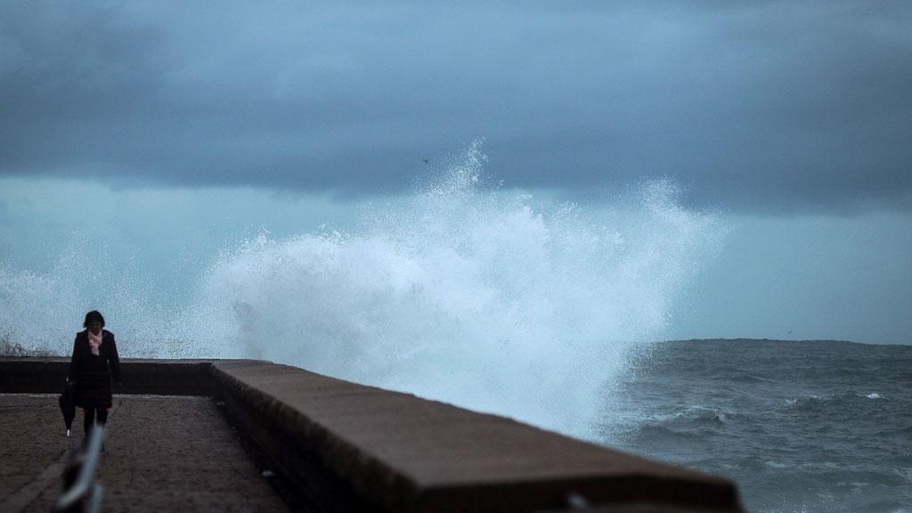 Trece provincias en aviso por frío, deshielo, viento o fuerte oleaje y lloverá en el norte de la Península
