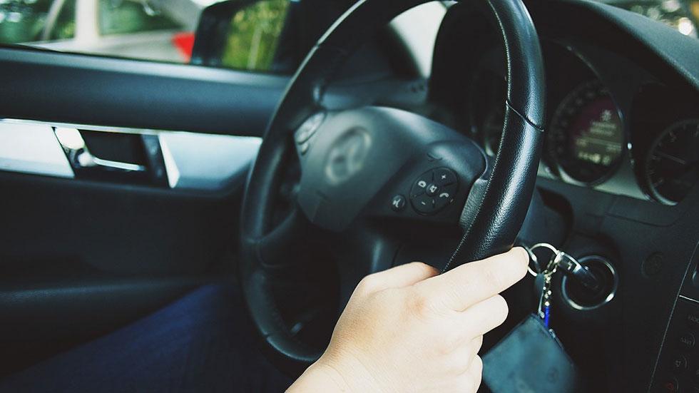Tres de cada diez conductores reconoce que no aparca bien
