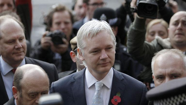 El Tribunal Superior de Londres decide este lunes si autoriza la extradición de Assange a Suecia