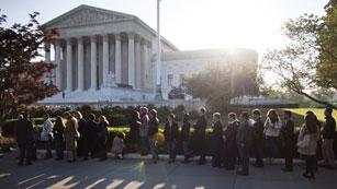 El Tribunal Supremo comienza a debatir la ley de inmigración de Arizona