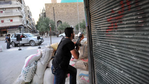 Las tropas de Bachar Al Asad atacan Damasco provocando la huída de cientos de familias