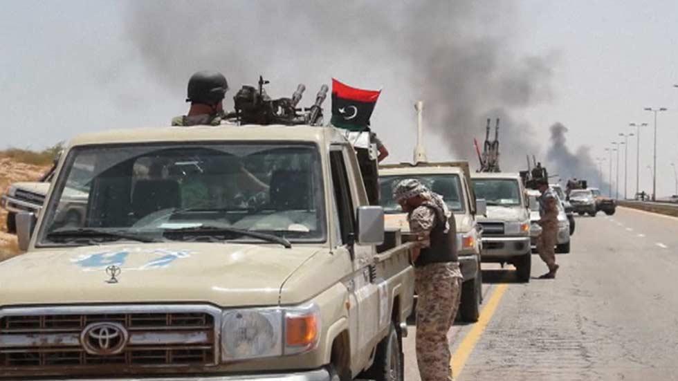 Las tropas libias logran entrar en Sirte y recuperar el control del puerto
