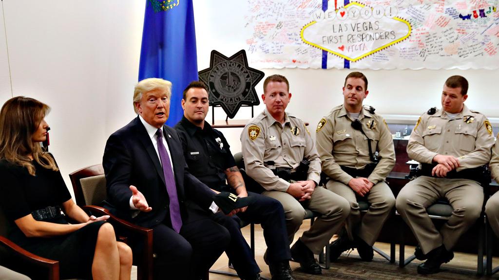 Trump visita a los heridos en el tiroteo de Las Vegas