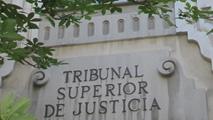 Ir al VideoEl TSJ de Madrid condena a Defensa a indemnizar por despido a una interina