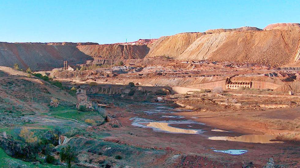 Miles de turistas visitan algunas de las minas cerradas que hay en España