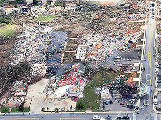 Tuscaloosa, en Alabama, la ciudad más afectada por los tornados que han asolado el sur de EE.UU.