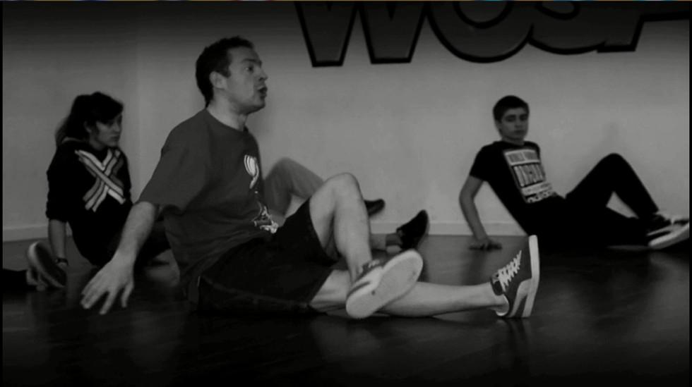 Ritmo urbano - Tutorial Breakdance: floor rock