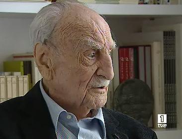 Ver vídeo  'TVE entrevista a Francisco Ayala al cumplir 102 años'