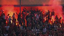 Ir al VideoLa UEFA sancionará el lanzamiento de bengalas en el Calderón