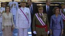Ir al VideoÚltimo desfile del rey Juan Carlos como jefe supremo de las fuerzas Armadas