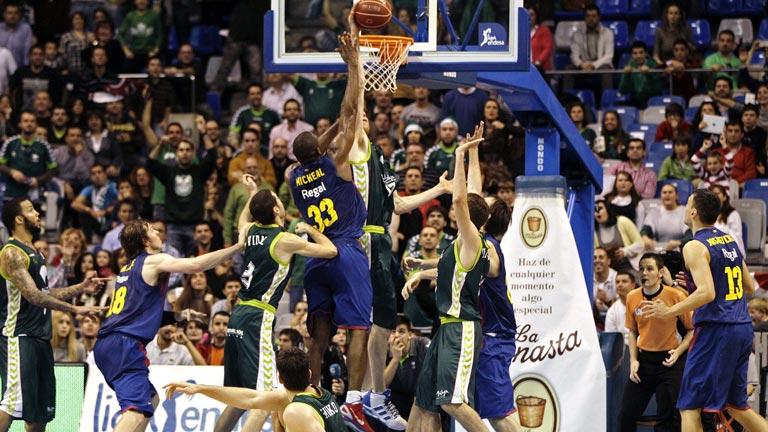 Unicaja m laga 71 69 fc barcelona regal liga endesa for Unicaja barcelona oficinas