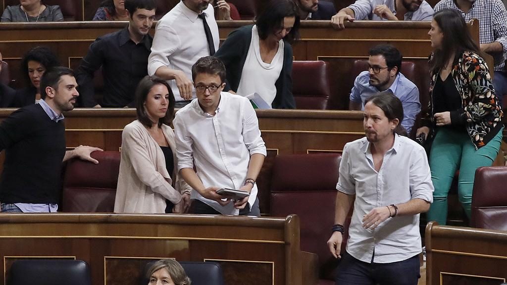Unidos Podemos abandona el Pleno en protesta por las acusaciones de Hernando (PP)
