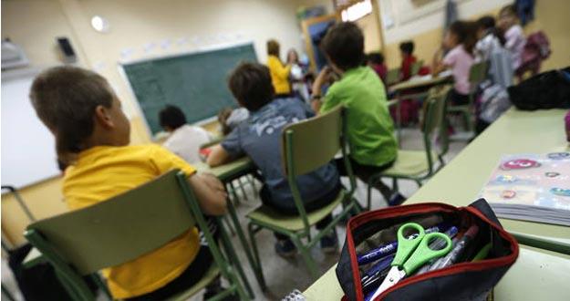 Padres, profesores y alumnos convocan encierros y cadenas humanas en octubre contra la Lomce