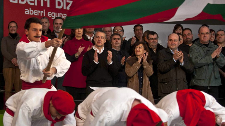 Urkullu pide a Rajoy que se mueva par