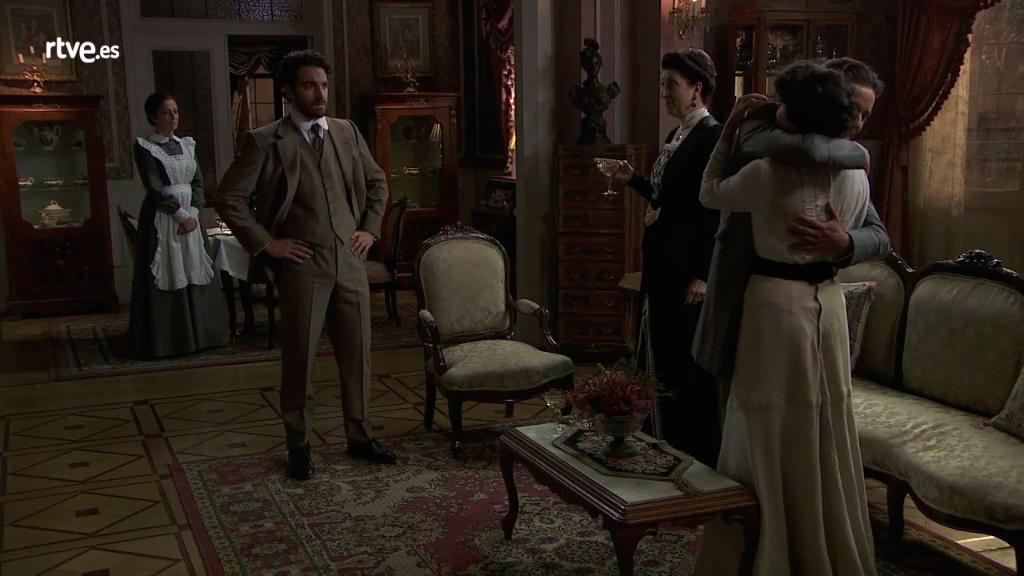 Acacias 38 - Úrsula anuncia que Blanca está embarazada