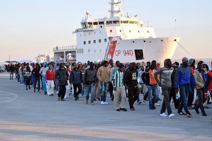 En lo que va de 2015, 35.000 refugiados e inmigrantes han atravesado el Mediterráneo, según los datos del Alto Comisionado de las Naciones Unidas para los Refugiados (ACNUR).
