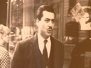 Vargas Llosa fue redactor de la sección en español de la agencia France-Presse en París