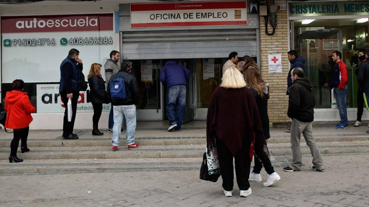 El n mero de parados subi en personas en febrero for Oficina de empleo madrid inem