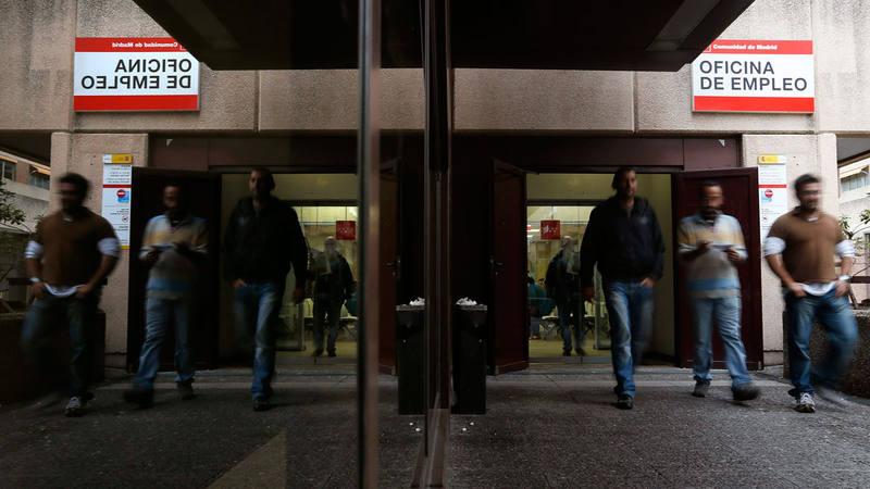 El n mero de parados registrados baj en personas for Oficina de paro madrid