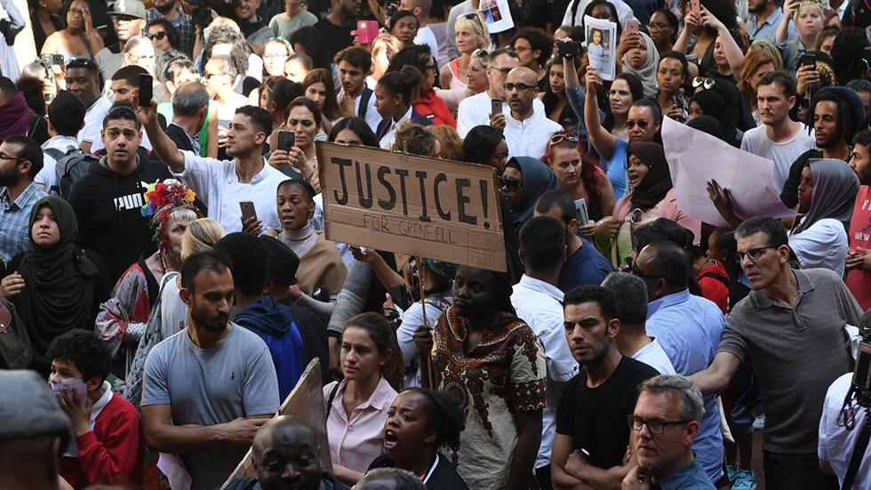 Varias protestas en Londres exigen justicia por el incendio de la torre Grenfell